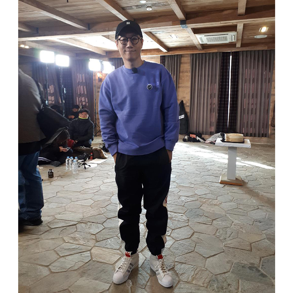 bsrabbit@BSRABBIT CELEBRITY 지석진 비에스래빗 BSRABBIT SBS 예능 '런닝맨' 의상 협찬 BSR WATERPROOF JOGGER PANTS BLACK