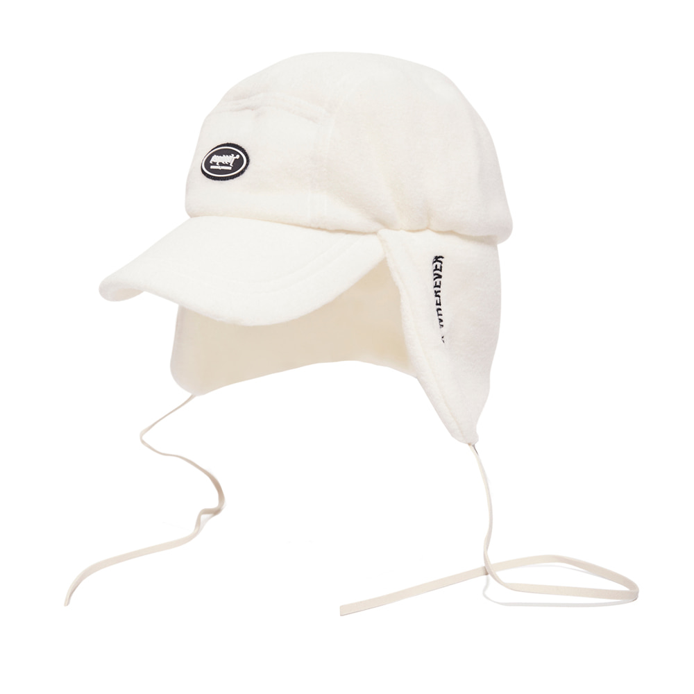 BSW FLEECE EARFLAP CAP WHITE